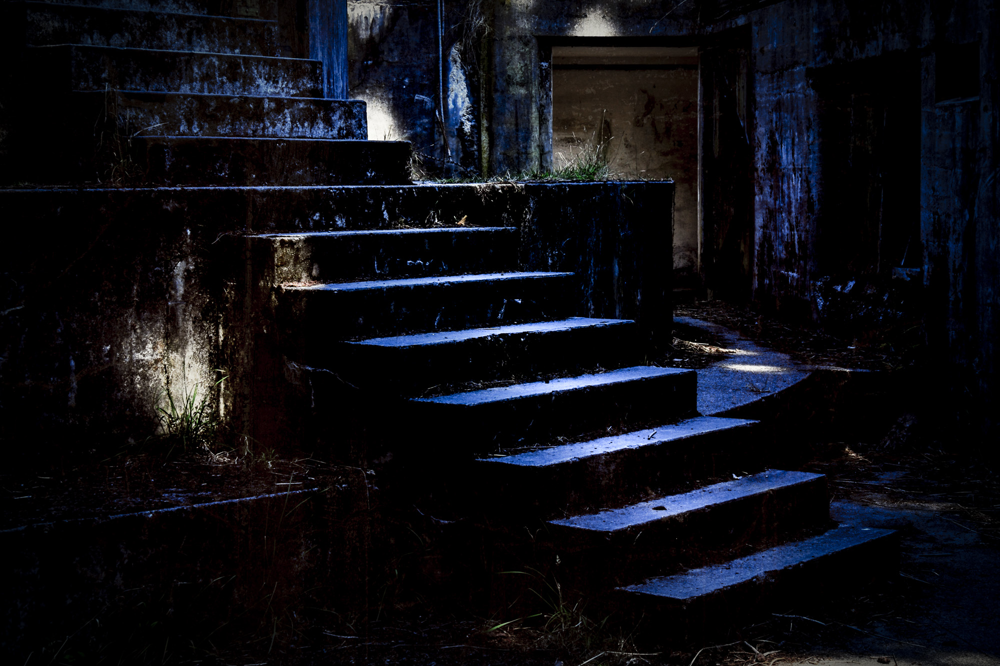 Hemingway_B_TheatreOfFear-Cerulean_Sunlight.jpg
